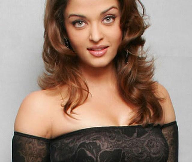 Aishwarya Rai Hot Pose By Razanagar1