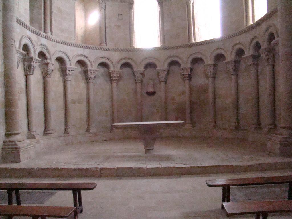 Castillo de Loarre abside altar Iglesia de San Pedro Huesca 30