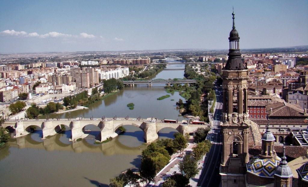Vista Rio Ebro y Puente de Piedra y de Santiago desde Basilica del Pilar Zaragoza 10