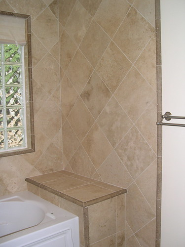 Travertine Tub Surround Travertine On Diagonal With