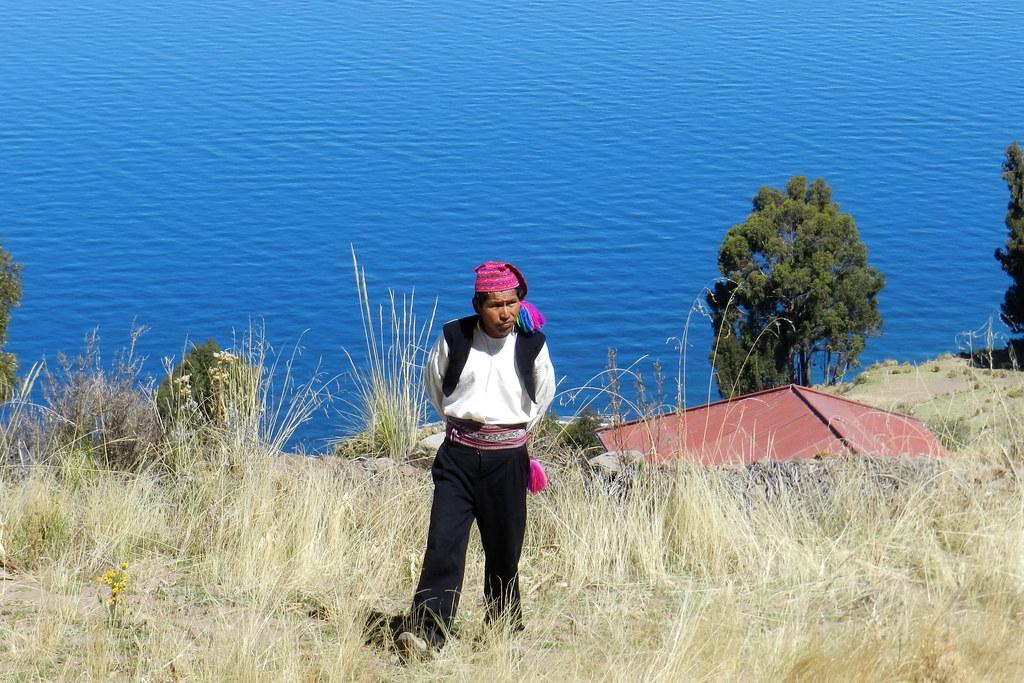 Lago Titicaca Isla Taquile su gente Peru 26