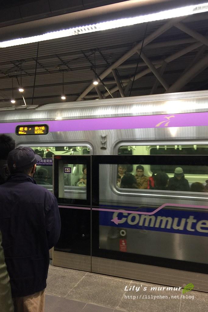 首次搭乘機捷,感覺還不錯!雖然只有從高鐵站搭到第二航廈站而已。