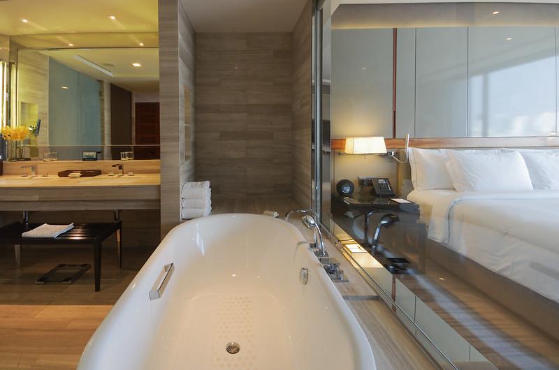 bathtub - hilton sukhumvit bangkok