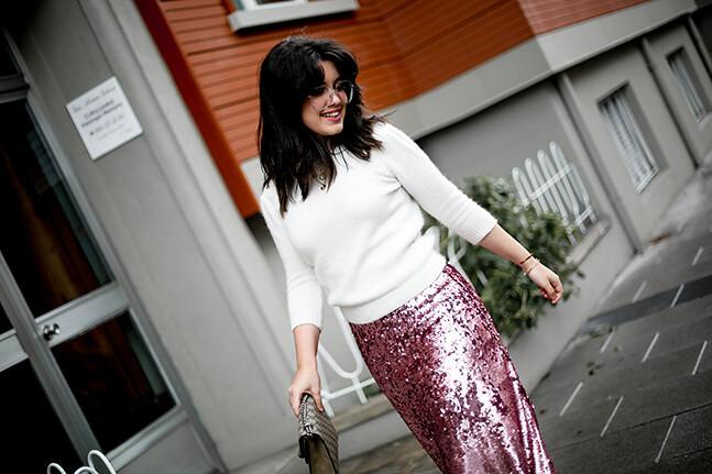 falda-lentejuelas-rosa-midi-isabel-marant-sneakers-farfetch-myblueberrynightsblog3