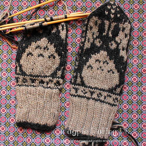 Totoro mittens in progress