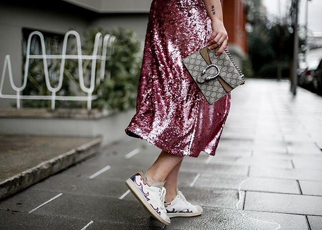 falda-lentejuelas-rosa-midi-isabel-marant-sneakers-farfetch-myblueberrynightsblog9