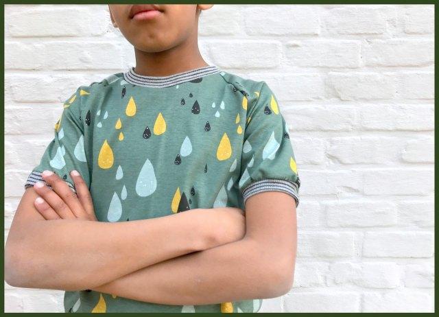 t-shirts (green close)
