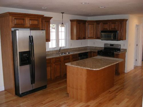 Kitchen with Maple Cabinets & Granite Countertops ... on Kitchen Countertops With Maple Cabinets  id=12176