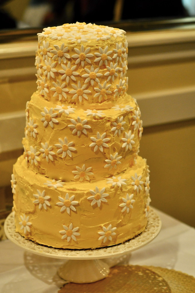 Daisy Wedding Cake Yellow Cake With Lemon Curd Filling