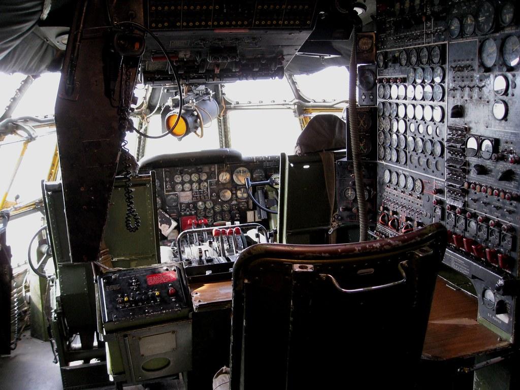 Kc 97 Stratotanker Cockpit This Was A Remarkably Large