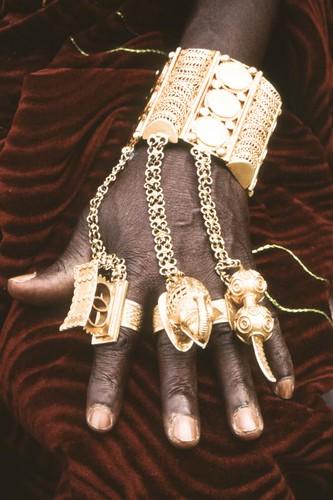 Roi De Bonoua Bijoux De Main Cte DIvoire Georges