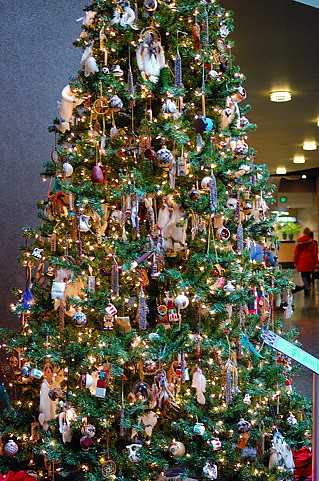 Native American Decorated Tree Christmas At Frederik