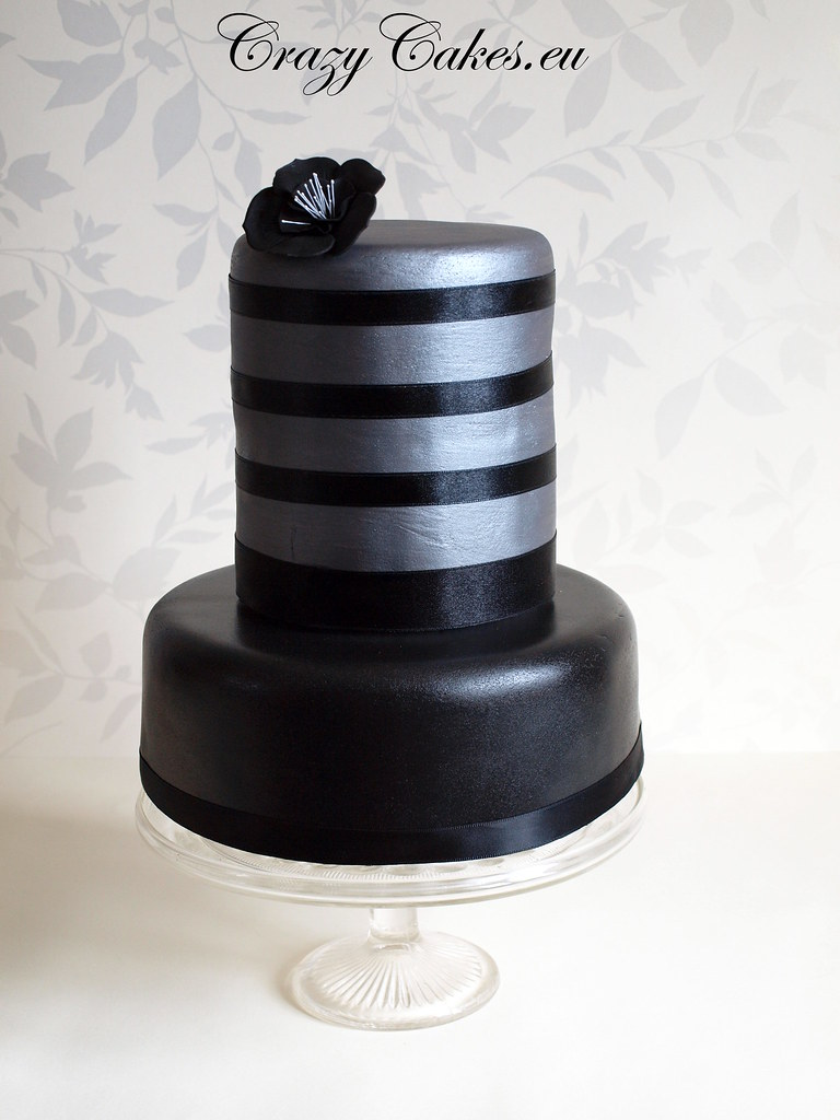 Black Amp Silver Wedding Cake This Is A Dummy Cake I