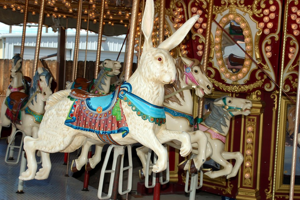 Carousel Animals Rabbit On The Move B Rer Lapin As A