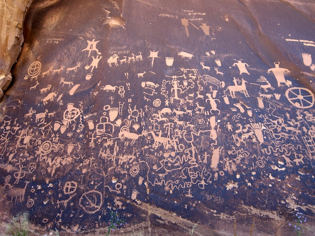 Newspaper Rock Utah On The Drive From Moab To The