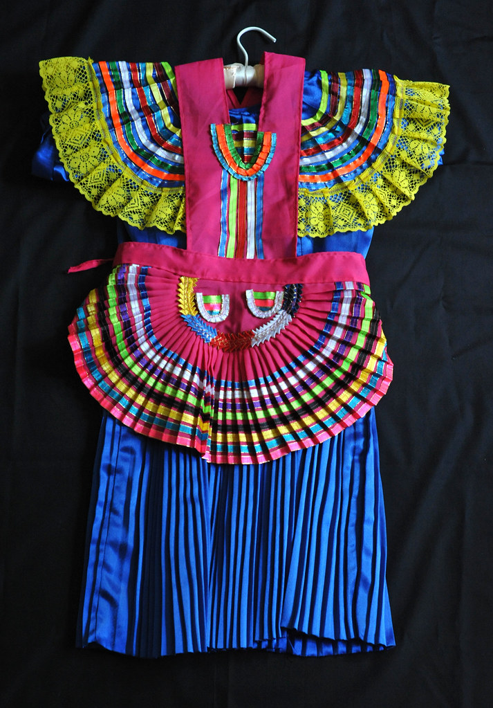 Maya Dress And Apron Mexico This Traje Is From Patihuitz