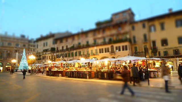 verona christmas market, italy in winter, travel