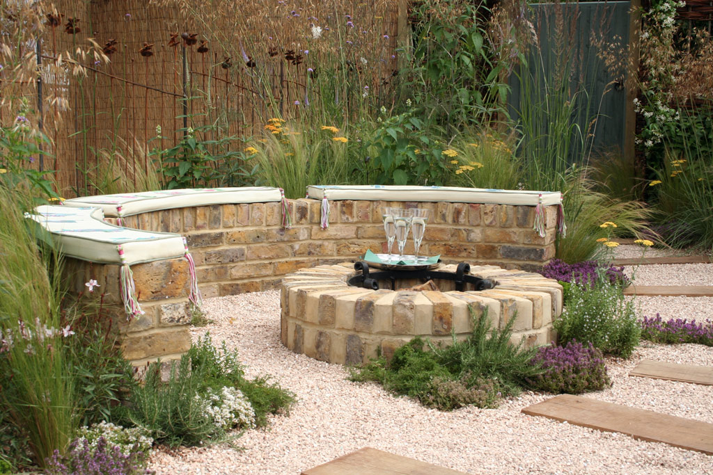 Creative Outdoor Fire Pits design Ideas to Light Up Your Yard on Garden Ideas With Fire Pit id=24376