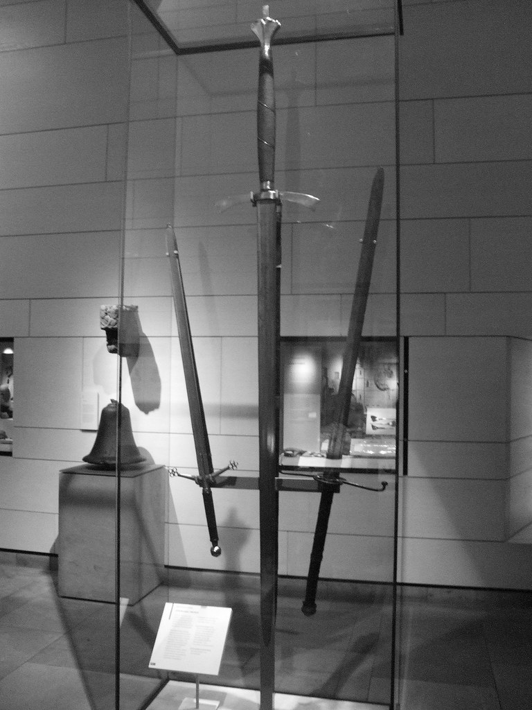 Swords In National Museum Of Scotland 01 Enormous Claymore Flickr