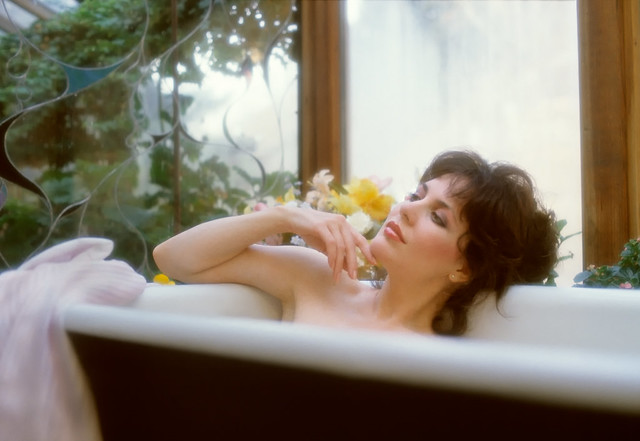 Woman Taking A Relaxing Bath Flickr Photo Sharing