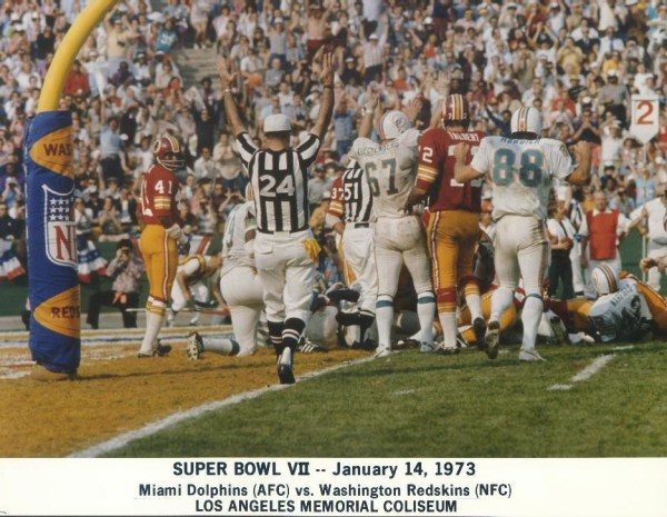 Super Bowl VII Dolphins vs. Redskins   the Dolphins take ...