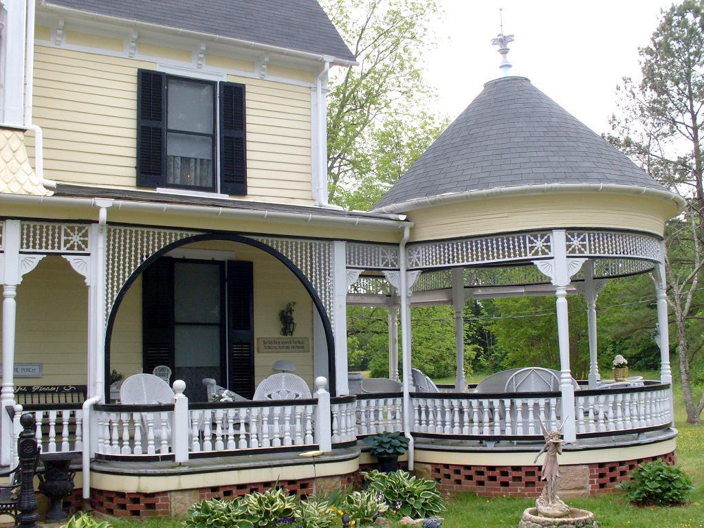 Farmhouse Front Porch