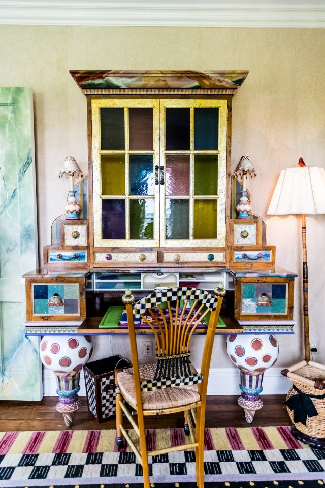 we could sit at this colorful desk all day long