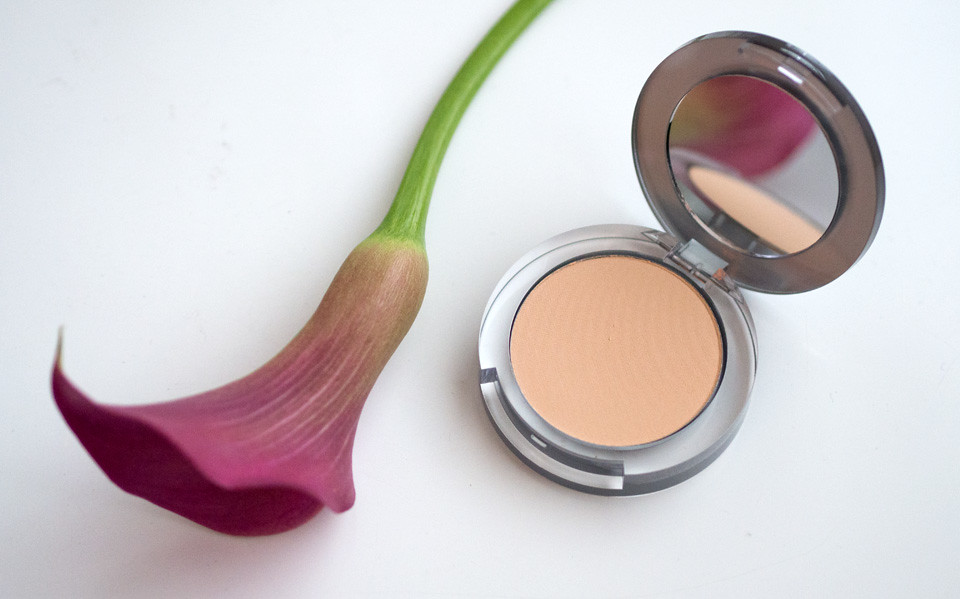 pur_minerals_4-in-1_makeup