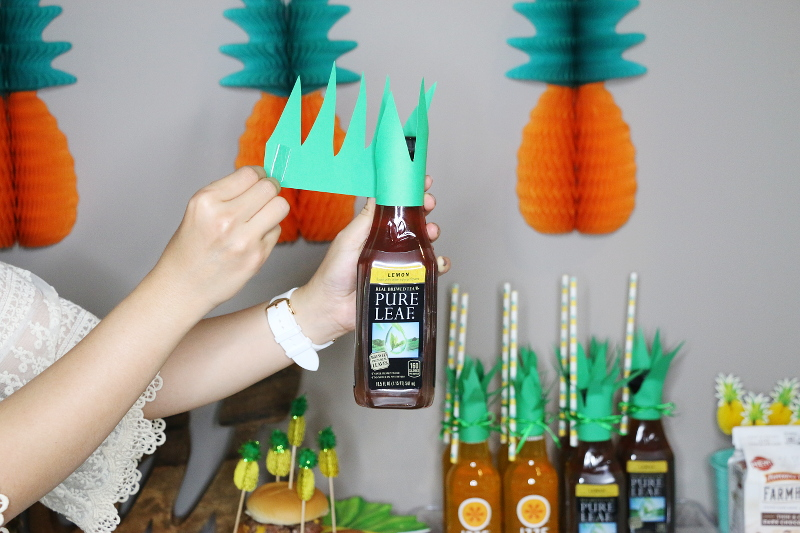 pineapple-leaves-tea-bottle-party-decor-6