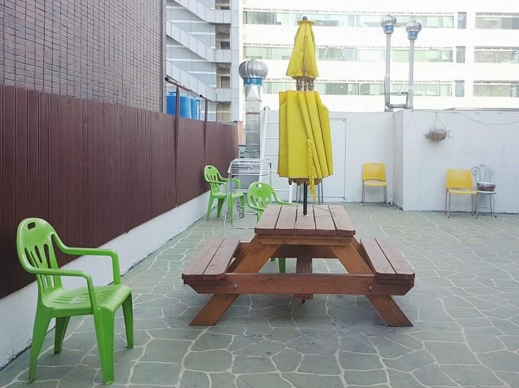 seoul hostel rooftop