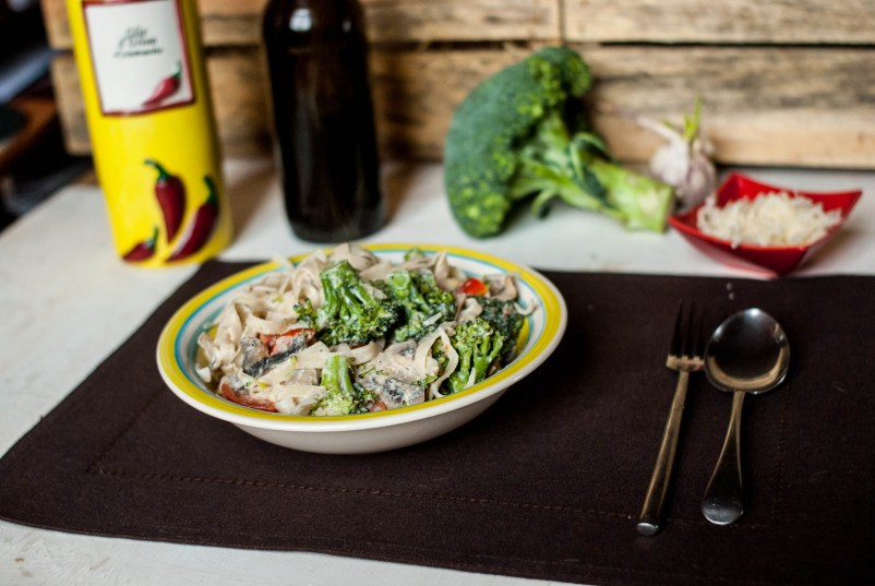makaron z ricottą i brokułami