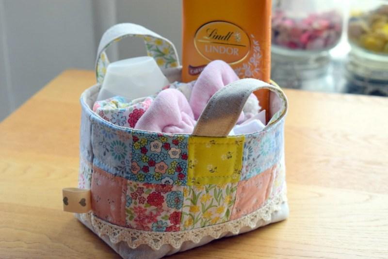 Baby basket & Bibs