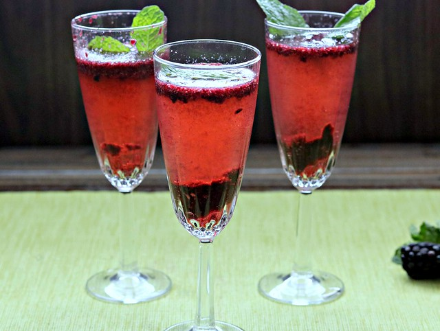 Blackberry Mint Bellinis 2