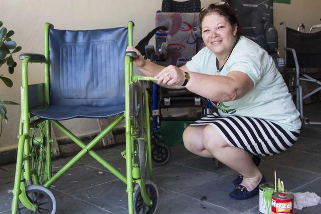 """""""Consertar virou meu melhor presente a quem precisa"""", diz presidente de ONG"""