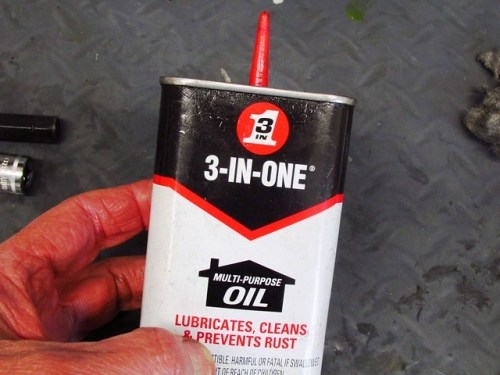 3-in-One Oil for Rod Bolt Threads