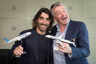 Michael O´Leary y Javier Hidalgo esta mañana en Madrid tras anunciar el