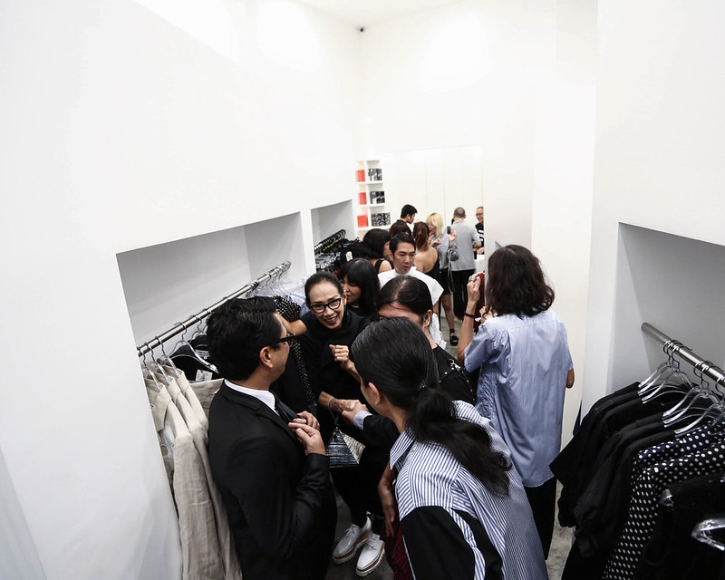 CDG shopping party