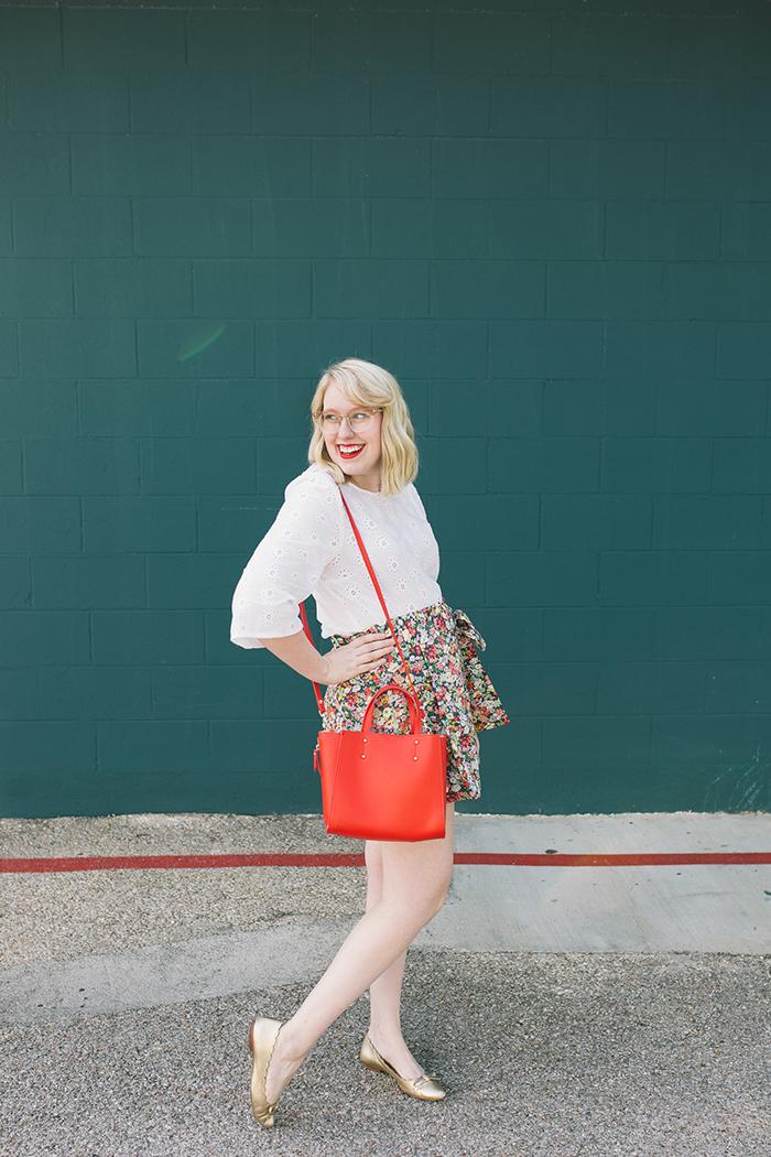 austin style blogger writes like a girl floral jcrew tie waist shorts13