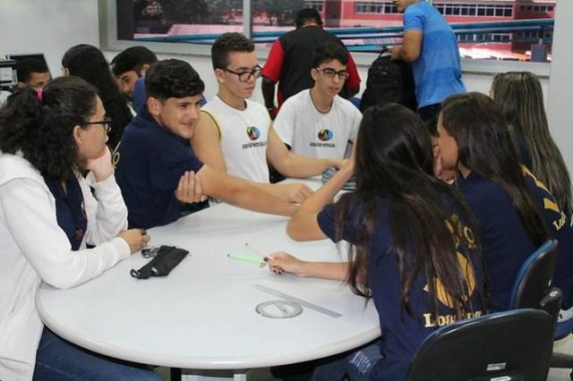 Alunos do Colégio Manoel Lobo visitam o CIML Lavim da UESC