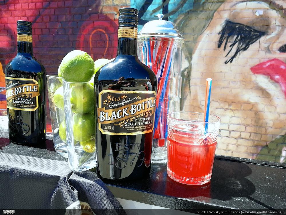 Nog even nagenieten van het zonnetje en een heerlijke cocktail op basis van Black Bottle