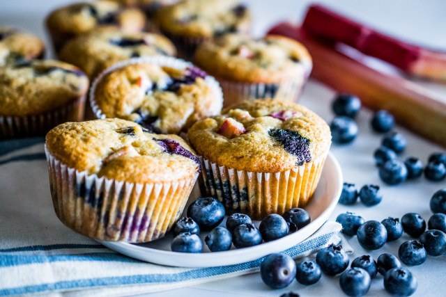 blubarb muffins