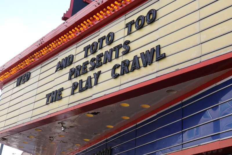 2017 And Toto Too Play Crawl