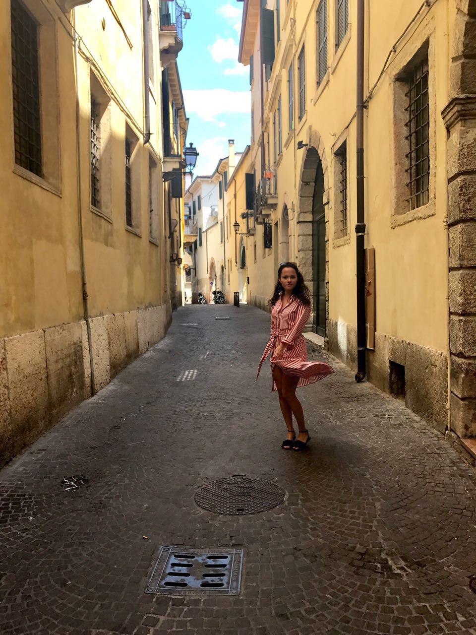 Zara Red Stripes Midi Dress LadyofStyle Alena