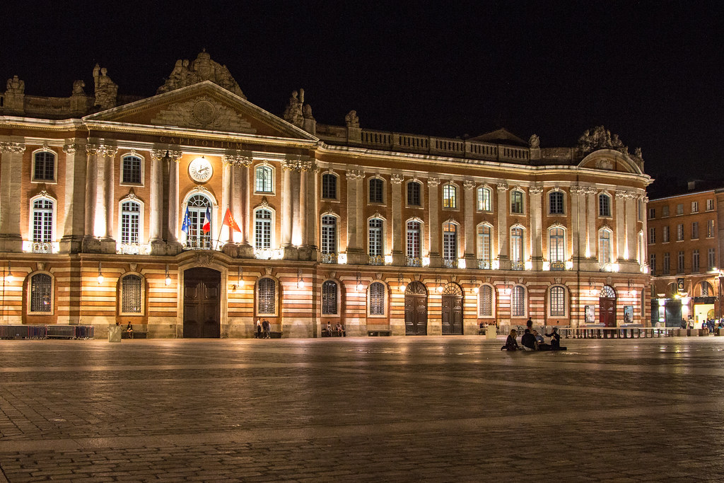 Toulouse's Palace de Capitole at night.