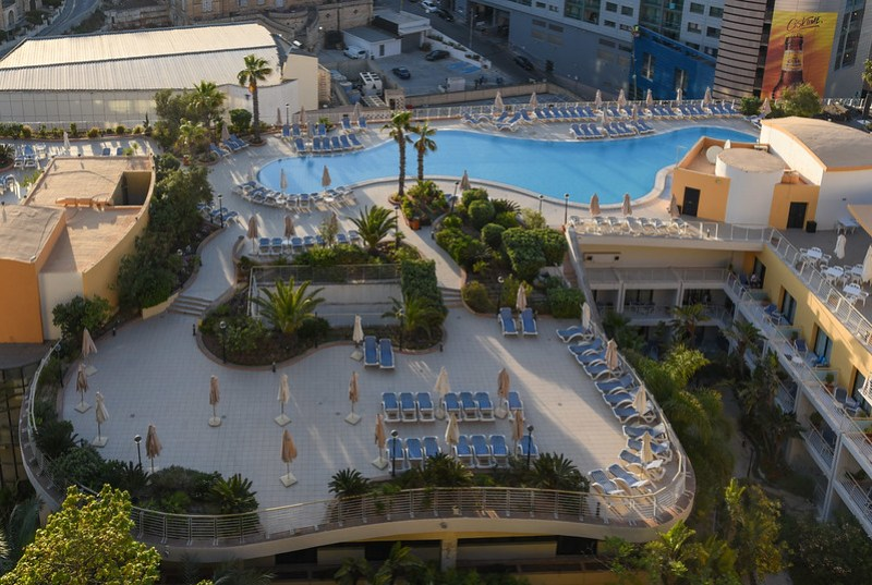 swimming pool - intercontinental malta