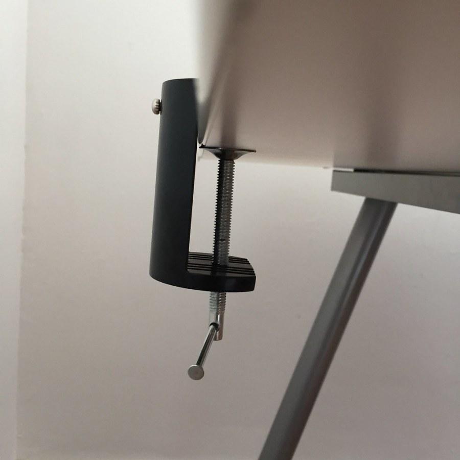 20170628 Test de la lampe de bureau LED Aglaia à bras articulé 3
