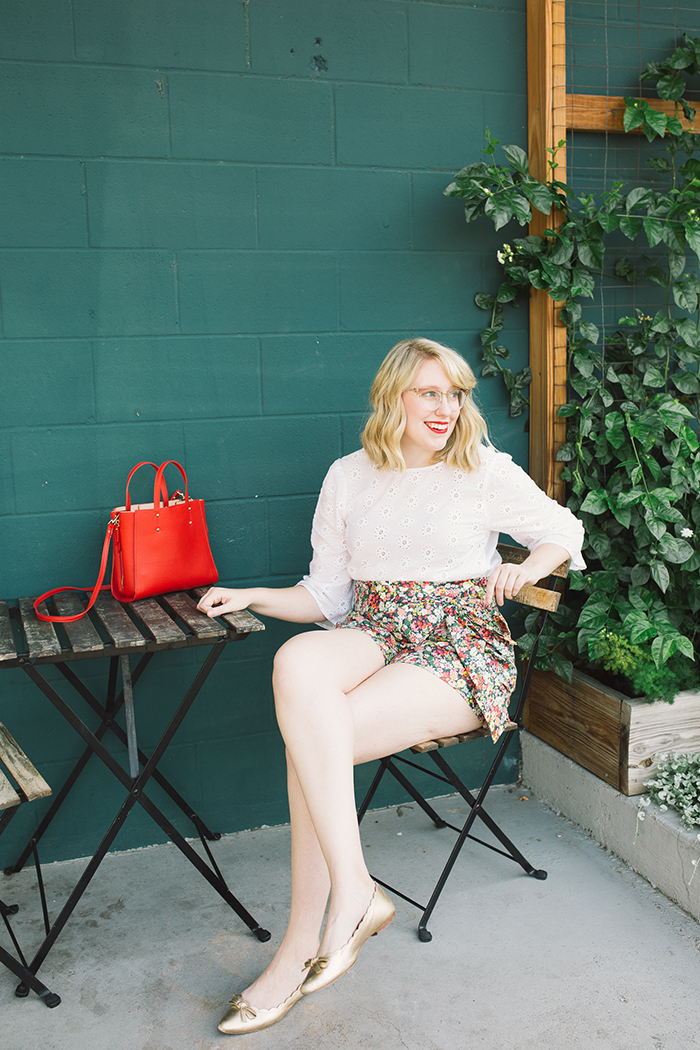austin style blogger writes like a girl floral jcrew tie waist shorts3
