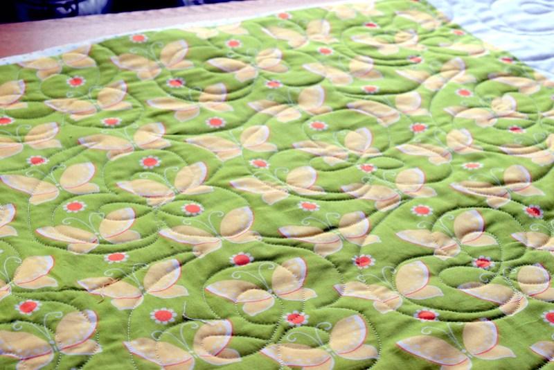 Fig Tree Spots n Dots Quilt (Popular Patchwork June17)