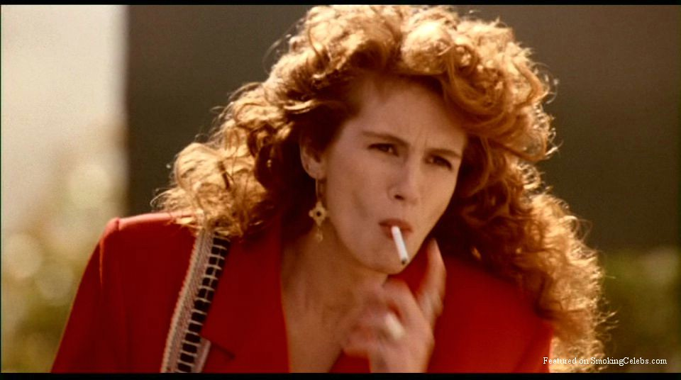 Julia Roberts Smoking 3 Julia Fiona Roberts Born