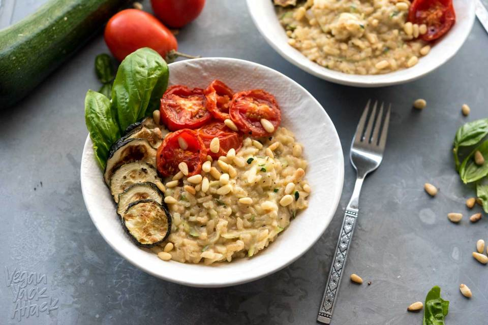 This Zucchini Risotto with Roasted Tomatoes screams summer! Dairy-free, ultra-comforting and delicious. #vegan #glutenfree #soyfree #veganyackattack